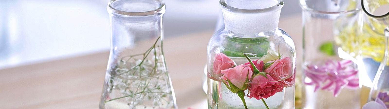 Eaux florales, Huiles végétales